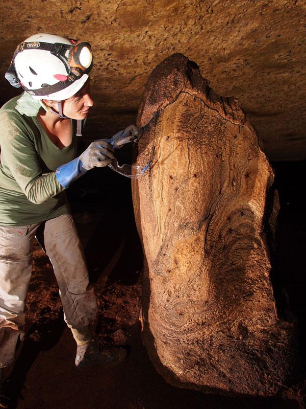 05-stef-stalagmite[1]